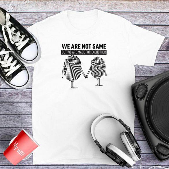 We are not same-egyedi-mintas-polo